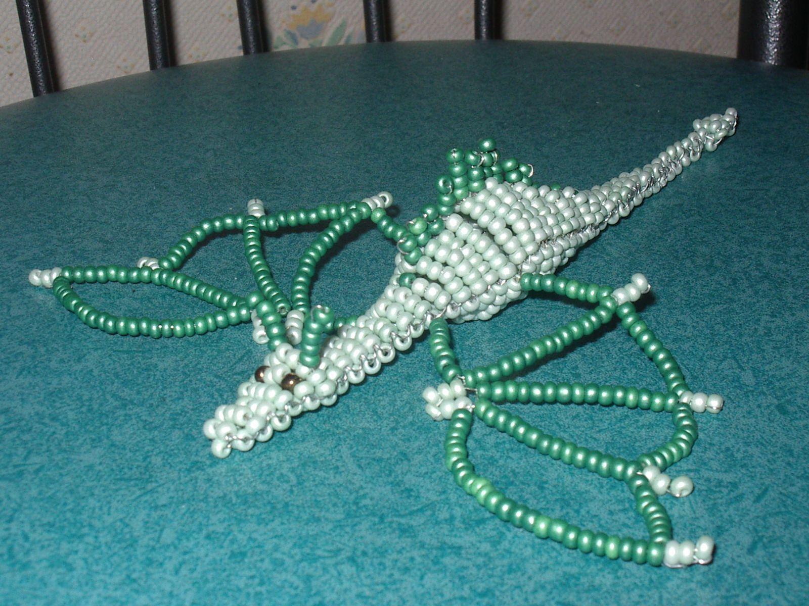 mon super dragon en perles de rocaille perle de. Black Bedroom Furniture Sets. Home Design Ideas